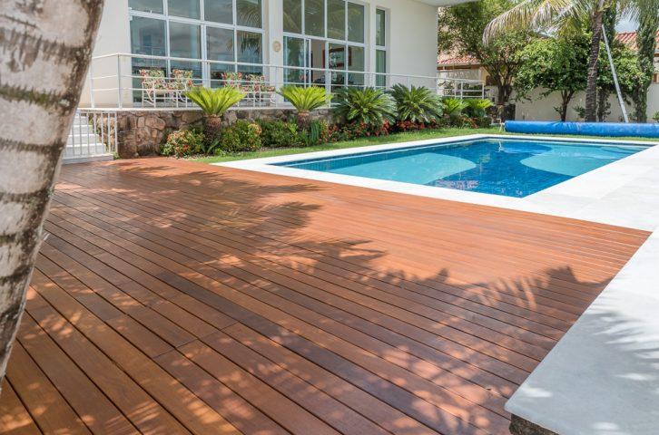 Protecção e decoração de decks de madeira novos e envelhecido